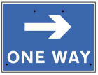 One way arrow right, 600x450mm Re-Flex Sign (3mm reflective polypropylene)