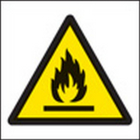 100 S/A labels 50x50mm flammable
